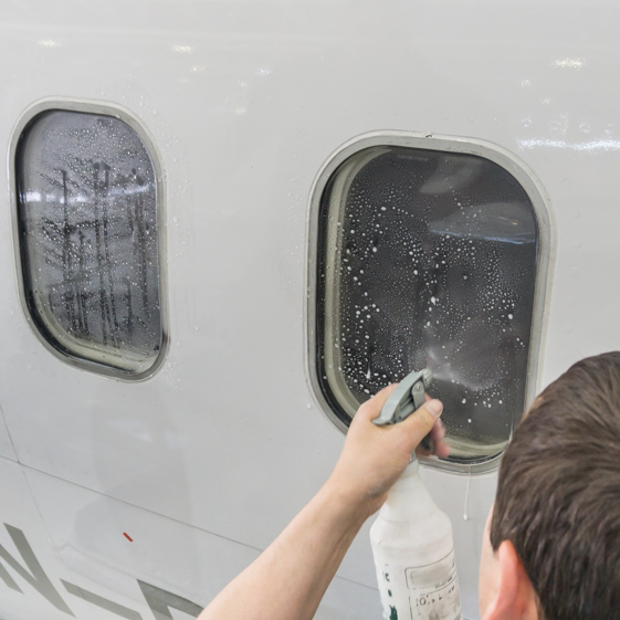 Aircraft Window Polishing